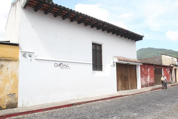 Fachada del Hotel Mansión de la Luz, ubicado en 3a Calle Oriente No. 30, Antigua Guatemala, Sacatepéquez. (Foto Prensa Libre: Miguel López)