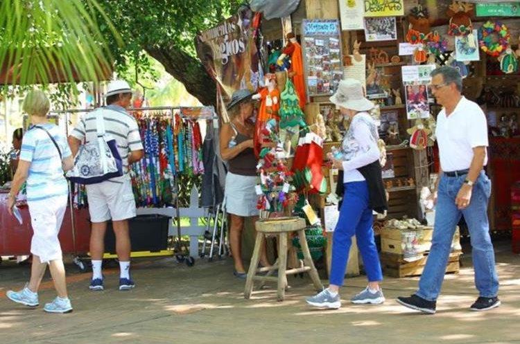 El cambio en los días para gozar descansos busca estimular las economías locales. (Foto Prensa Libre: Hemeroteca PL)