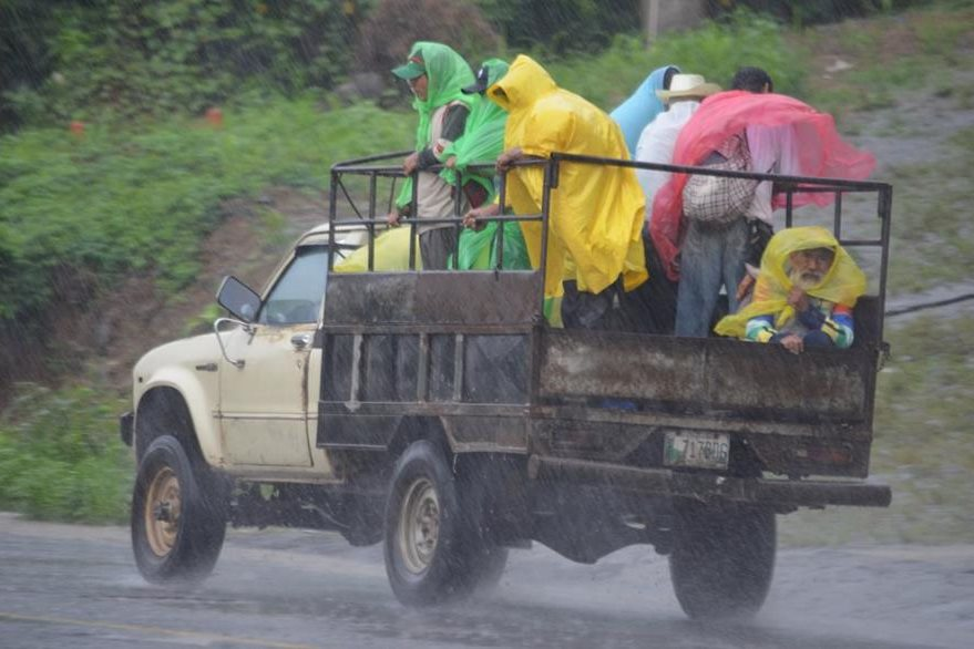 Niños y adultos mayores de Retalhuleu han sido los más afectados por las enfermedades causadas por la humedad, según médicos. (Foto Prensa Libre: Jorge Tizol)
