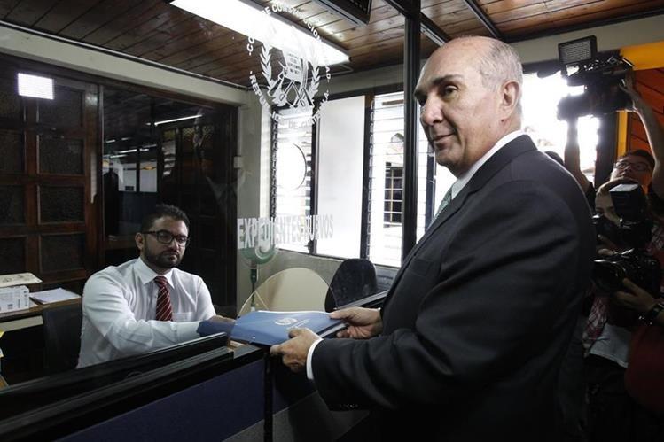 Mario Taracena accionó el 15 de junio contra el Pacto Colectivo del Congreso en la CC. (Foto Prensa Libre: Hemeroteca PL)
