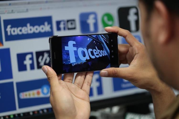 Facebook implementará las historias destacadas en los perfiles de sus usuarios, como ya funciona en Instagram, aplicación adquirida por Mark Zuckerberg anteriormente. (Foto HemerotecaPL)