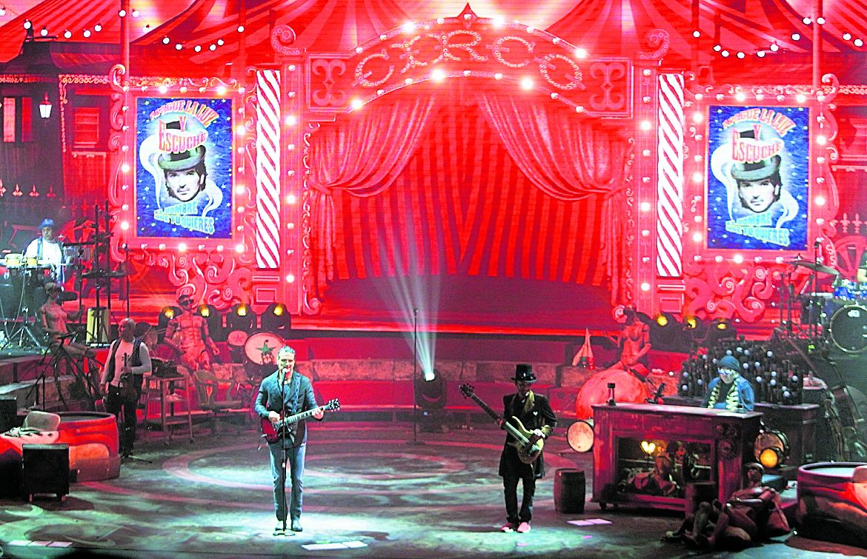 Ricardo Arjona comenzó su gira Circo Soledad en Toluca, México. El 9 de diciembre se presentará en Guatemala. (Foto Prensa Libre: Keneth Cruz).