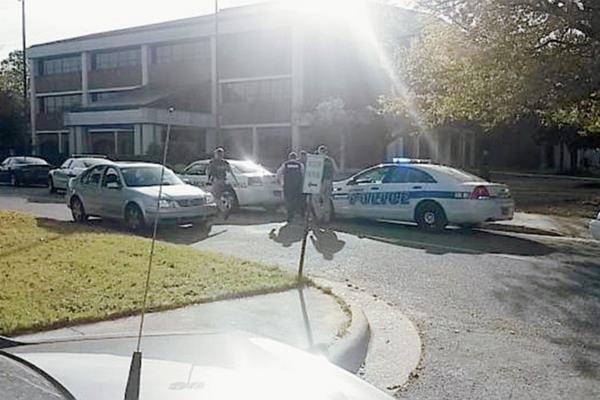 La Policía invetiga las causas que origino la balacera en la Universidad de Carolina del Norte.(Internet)
