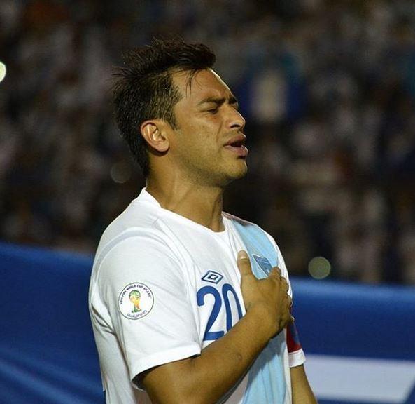 Carlos Ruiz cuenta las horas para volver a vestir la azul y blanco. (Foto Prensa Libre: Carlos Ruiz/Instagram)