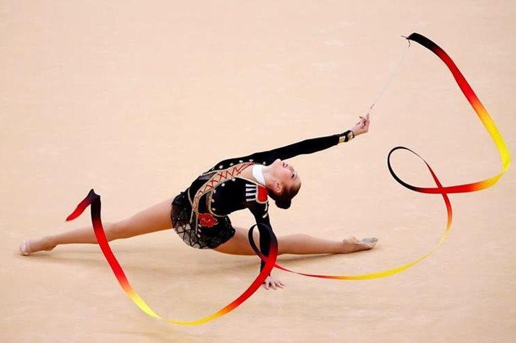 Elegancia y armonía son características de las presentaciones con cinta. Foto Prensa Libre: Mike Blake.