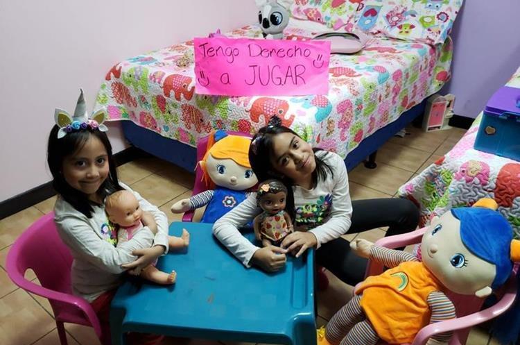 Paula y Diana de San Pedro, San Marcos también participan en la campaña. (Foto Prensa Libre: Fred Rivera)