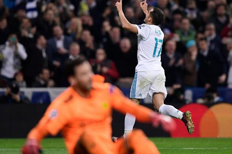 Lucas Vázquez celebra luego de anotar el gol que le dio el triunfo al Real Madrid sobre el Borussia Dortmund. (Foto Prensa Libre: AFP)