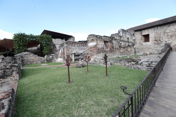 Uno de los jardines del hotel Casa Santo Domingo. (Foto Prensa Libre: Érick Ávila)