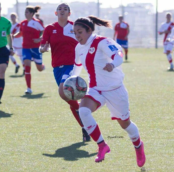Ana Lucía Martínez marcó el gol de la victoria contra el Olímpico Moratalaz en un juego amistoso. (Foto Prensa Libre: Hemeroteca)