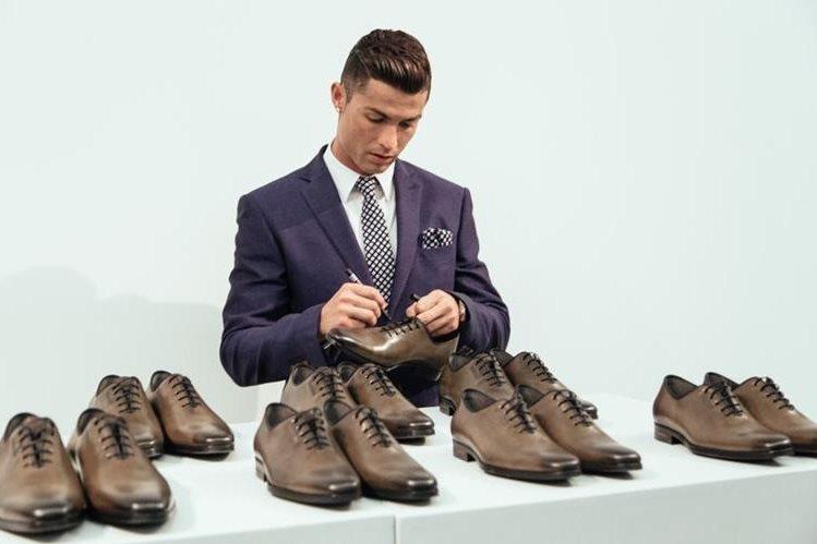 Cristiano Ronaldo suministrará las zapatos de su marca CR7 Footwear. (Foto Redes Sociales).