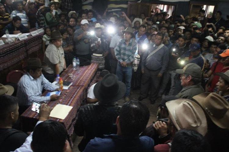 La Municipalidad Indígena de Sololá ha resuelto más de tres mil casos, aseguran. (Foto Prensa Libre: Ángel Julajuj)
