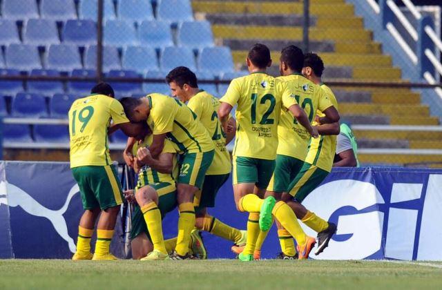 Los jugadores de Guastatoya festejan el triunfo sobre Comunicaciones. (Foto Prensa Libre: Francisco Sánchez)