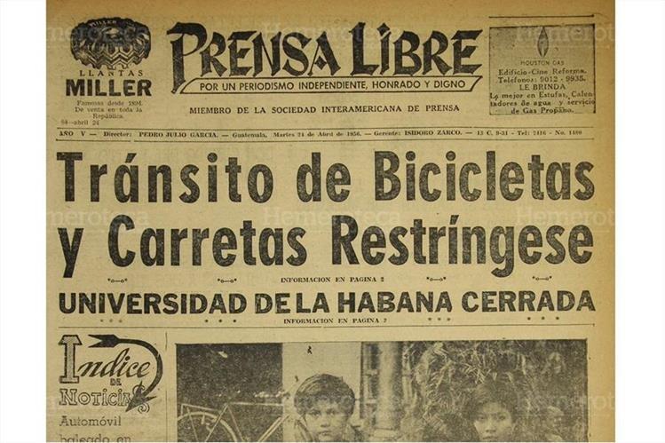 Portada del 24/4/1956, Prensa Libre informó sobre la restricción en la circulación de bicicletas y carretas. (Foto: Hemeroteca PL)