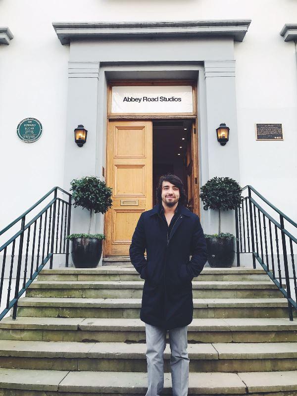 Nico Farias  puede agregar a su hoja de vida el haber grabado en los Estudios  Abbey Road. (Foto Prensa Libre: Cortesía Nico Farias)
