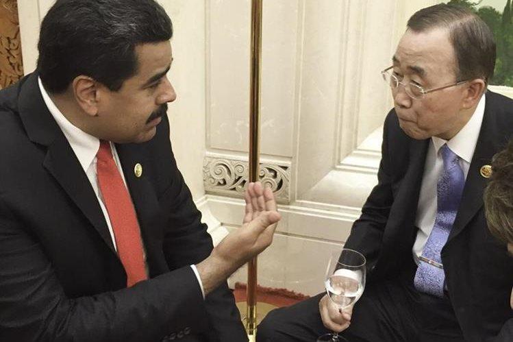 <em><em>Nicolas Maduro (i), reunido con el secretario general de las Naciones Unidas, Ban Ki Moon (d), hoy jueves 3 de septiembre en Pekín, China.</em>(Foto Prensa Libre: EFE).</em>