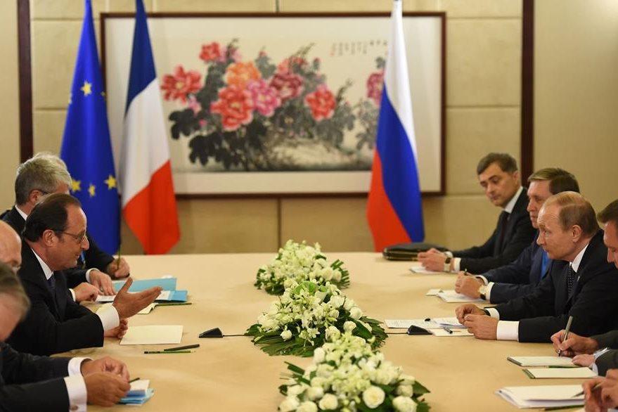 Presidentes de distintos países entablan conversaciones por temas económicos.