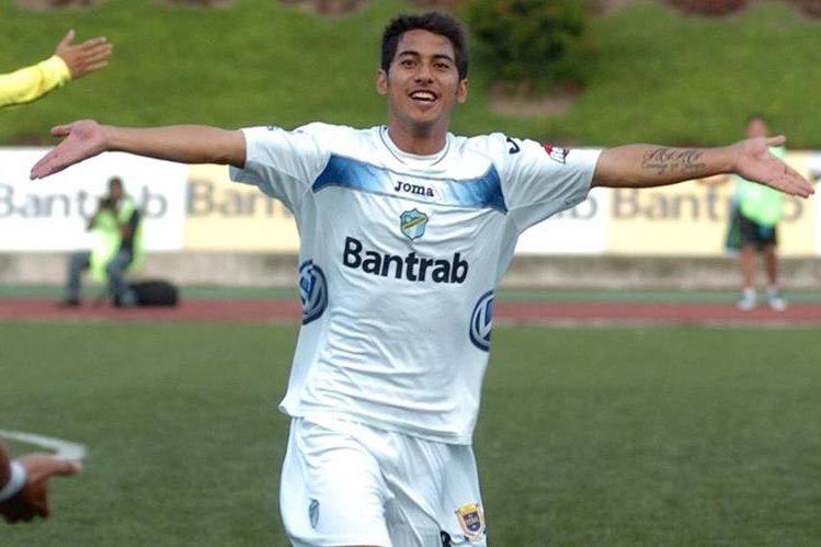 Estrada jugará por segunda ocasión en los cremas. (Foto Prensa Libre: Hemeroteca)