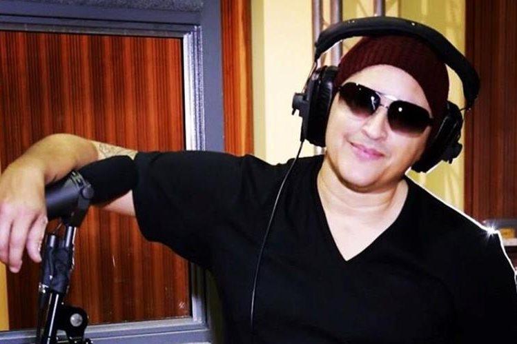 Elvis Crespo prepara la canción Escápate. (Foto Prensa Libre: Tomada de www.instagram.com/elviscrespolive)