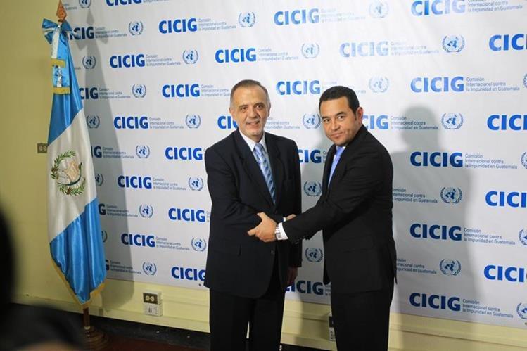 Al principio de su mandato, Jimmy Morales (derecha) expresó su apoyo y respaldo a la Cicig. (Foto: Hemeroteca PL)