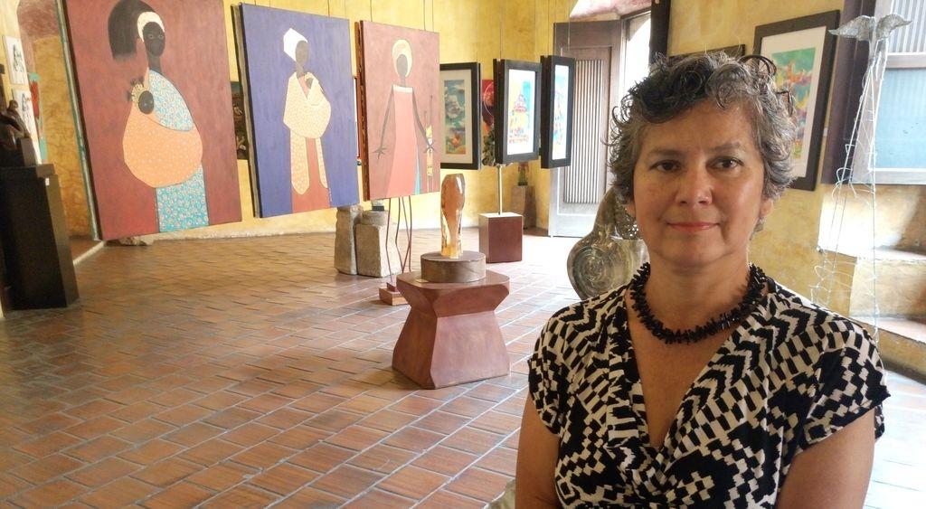 Estela de Johnston, directora de la galería. (Foto Prensa Libre: José Luis Escobar).