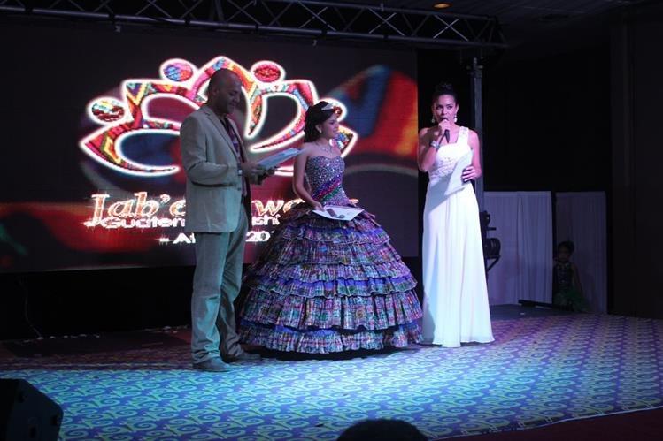 En el concurso nacional de modas Jab'el Award's Guatemala Fashion Show participaron diseñadores guatemaltecos con propuestas de textiles típicos.