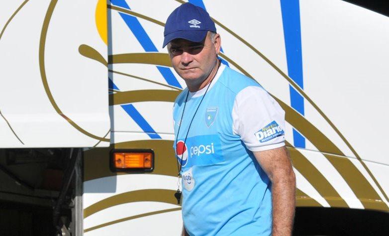 Iván Franco Sopegno llegó ayer por la mañana a Guatemala junto con los jugadores. (Foto Prensa Libre: Eduardo González)