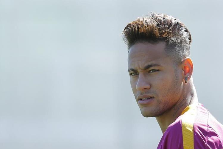 "El brasileño Neymar ""no se vende"", aseguró Jordi Mestre, videpresidente del FC Barcelona. (Foto Prensa Libre: Hemeroteca)"