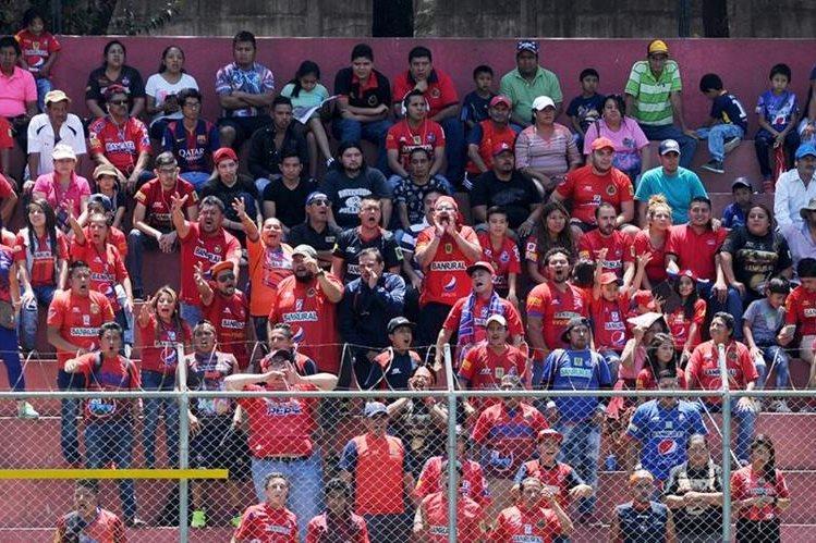 Los seguidores rojos no están contentos con el accionar de su equipo en los últimos partidos (Foto Prensa Libre: Hemeroteca PL)