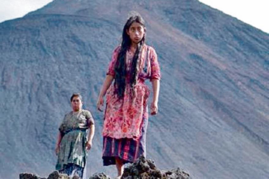 IXCANUL  SE rodó a las faldas del volcán de Pacaya, en Escuintla. Mide 2  mil 552 metros de alto y es ideal para practicar montañismo. Llegar al cono toma 1 hora 30 minutos. Se encuentra a  40 kilómetros de la ciudad.
