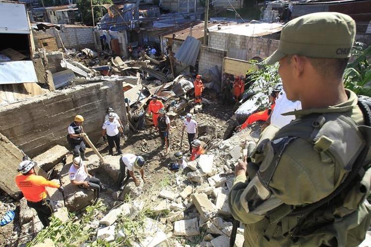 Tragedia en colonia Santa Isabel II, Villa Nueva, en septiembre de 2016. (Foto: Hemeroteca PL)