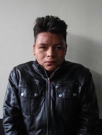 Melvin Jacinto Sacalxot García fue capturado por la PNC en Zunil, Quetzaltenango, cuando conducía vehículo con reporte de robo. (Foto Prensa Libre: María José Longo)