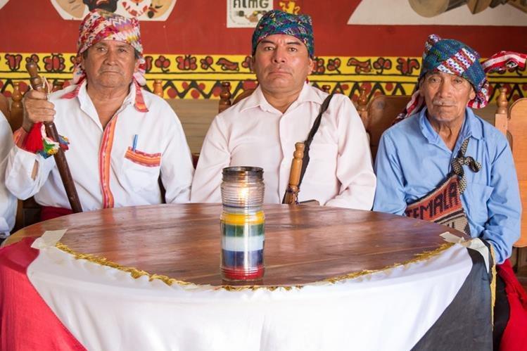 Líderes indígenas de Rabinal, Baja Verapaz, manifiestan su apoyo a la Cicig y al MP. (Foto Prensa Libre: Carlos Grave)