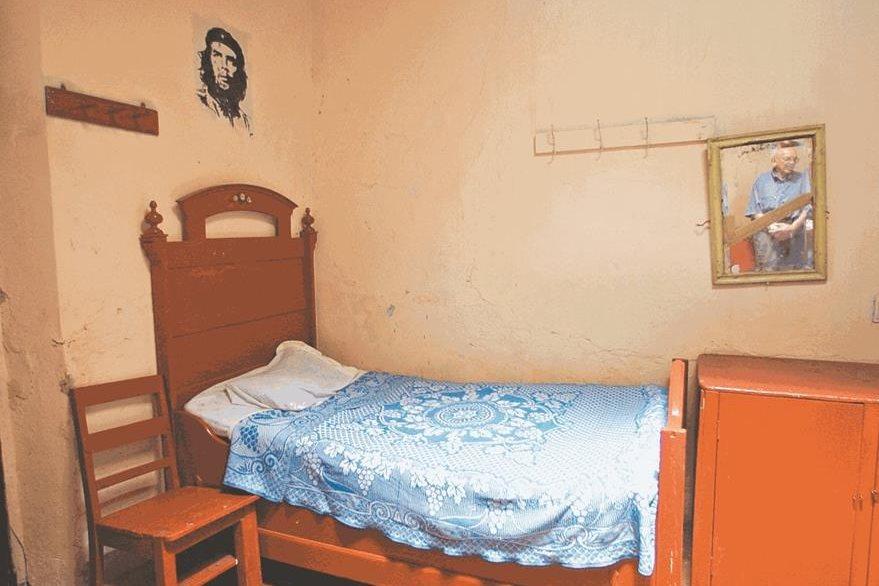 En esta cama de la pensión Meza durmió Ernesto Che Guevara durante quince días. (Foto: Hemeroteca PL)