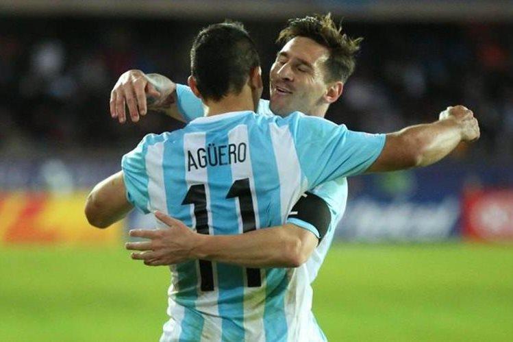 Messi y Agüero volverán a jugar juntos en la selección de Argentina. (Foto Prensa Libre: Hemeroteca PL)