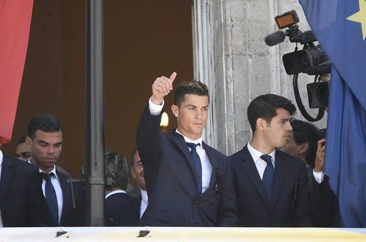 La celebración de La Liga del Madrid tuvo como protagonista a Cristiano Ronaldo, su goleador estrella. (Foto Prensa Libre: AFP)