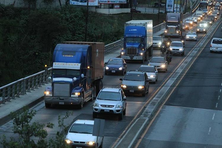 Concejo levanta restricción al transporte pesado el día sábado. (Foto Prensa Libre: Hemeroteca PL)