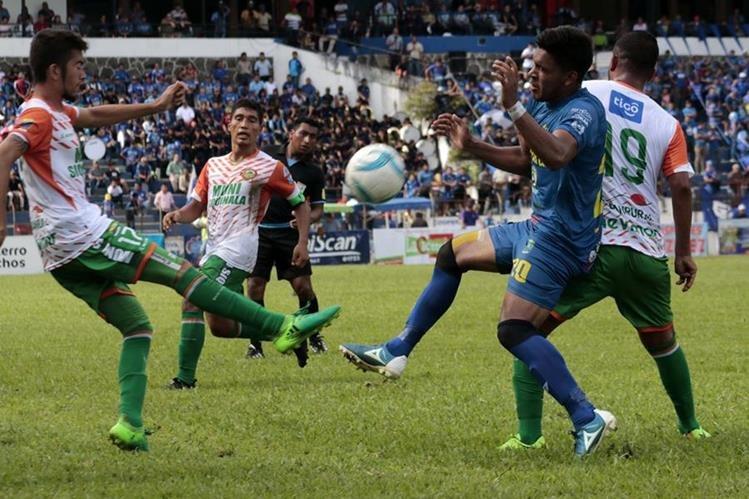 Cobán y Siquinalá igualaron 1-1 en el estadio Verapaz. (Foto Prensa Libre: Eduardo Sam Chun)