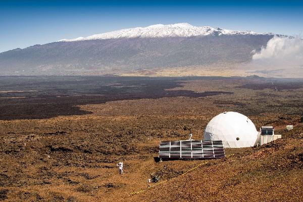 El exterior de la cúpula HI-SEAS en Mauna Loa en Hawai.