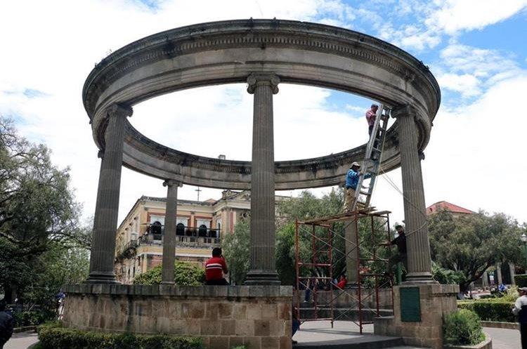Vecinos se quejan de la falta de mantenimiento a estructuras emblemáticas.(Prensa Libre: María José Longo)