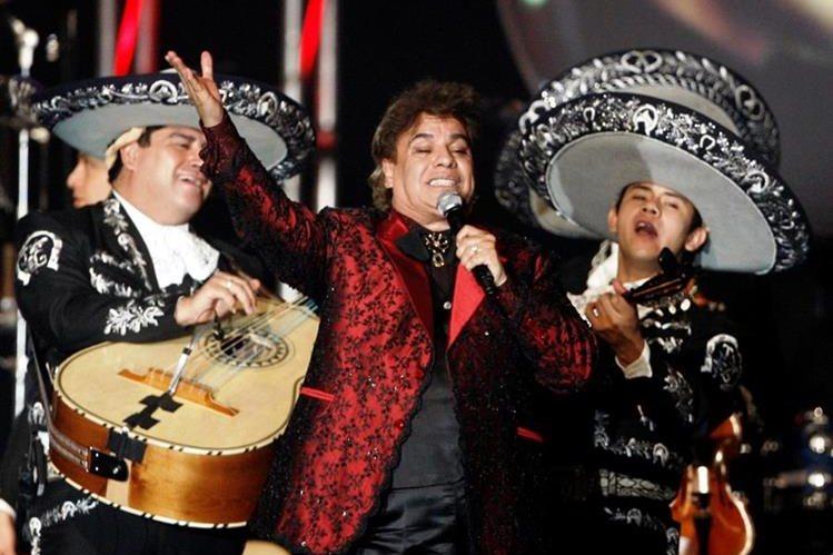 Juan Gabriel vendió millones de discos a lo largo de su carrera musical. (Foto Prensa Libre: AP)