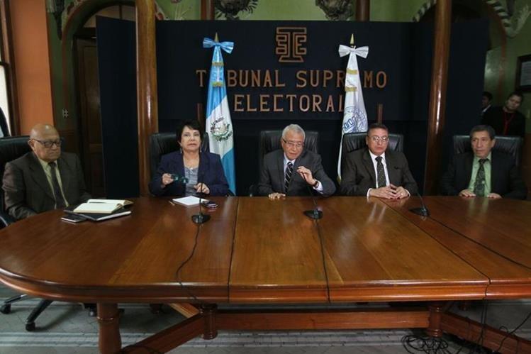 Magistrados del Tribunal Supremo Electoral piden aprobar las reformas a la Ley Electoral y de Partidos Políticos. (Foto Prensa Libre: Érick Ávila)