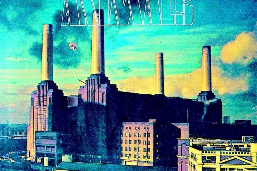El disco Animals salió a la venta en 1977, y en la portada aparece un cerdo volando entre los edificios.  (Foto: Hemeroteca PL)