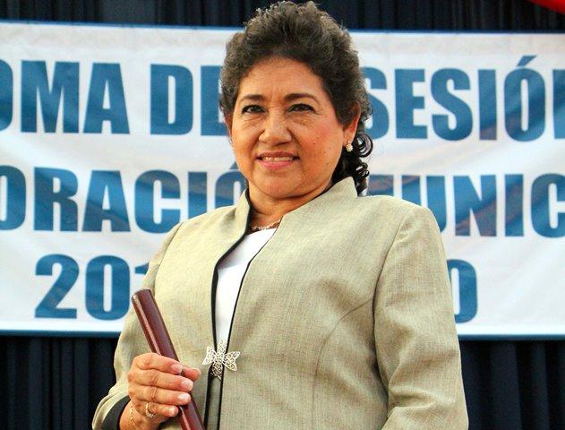 Estela de Chávez (Nuevo San Carlos, Retalhuleu) llega en sustitución de Benigno Fernández. La alcaldesa tiene  planificado trabajar en proyectos de agua entubada, alcantarillado y salud.