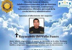 Policía Nacional Civil externa condolencias a familia de inspector fallecido. (Foto Prensa Libre: Roni Pocón)