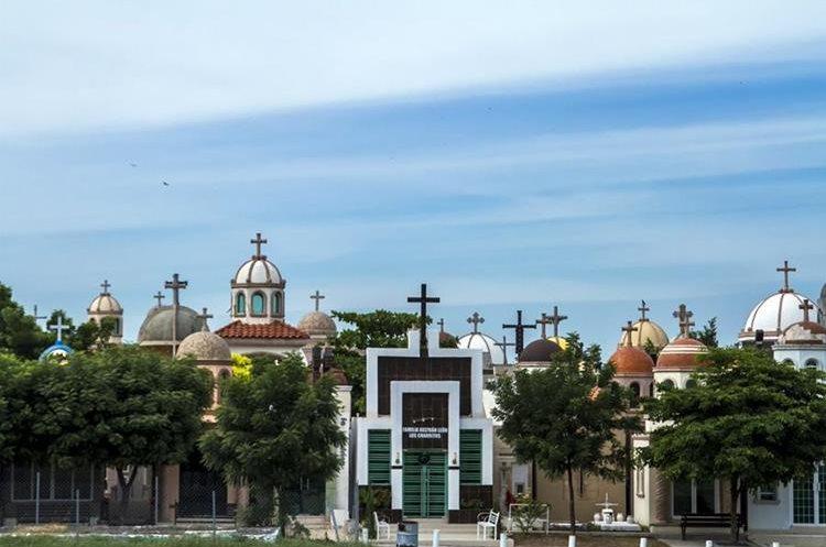 Vista del cementerio de los Jardines del Humaya en Culiacán, estado de Sinaloa, México, lugar de nacimiento del Chapo Guzmán. (Foto Prensa Libre: AFP)