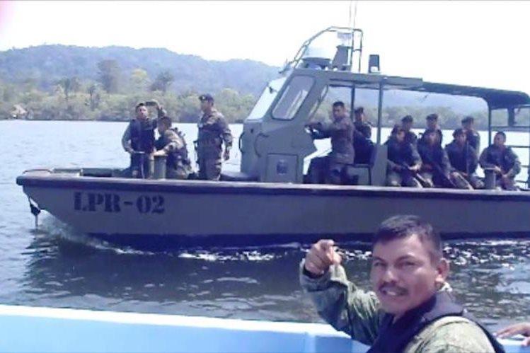 Soldados guatemaltecos sorprenden a tropa beliceña en el río Sarstún, Petén. (FotoPrensa Libre: Facebook)