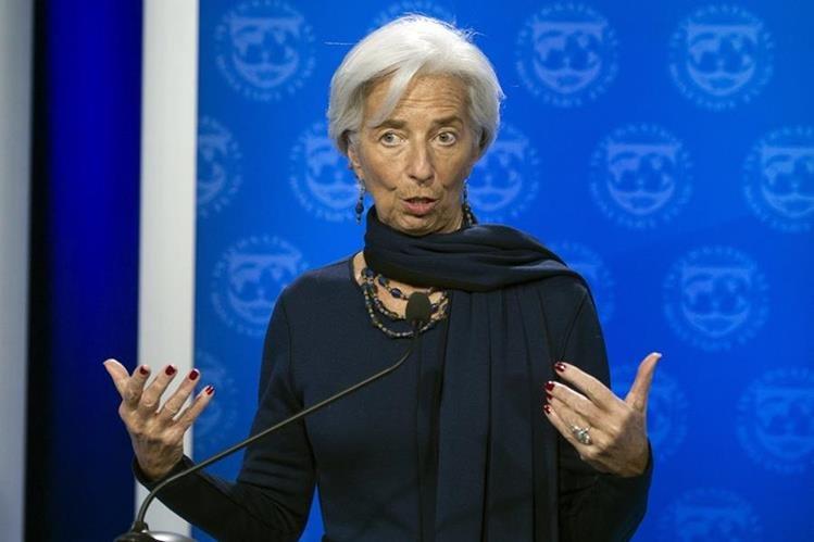 Christine Lagarde recibió la confianza del FMI para seguir dirigiendo la institución. (Foto PL: AP)