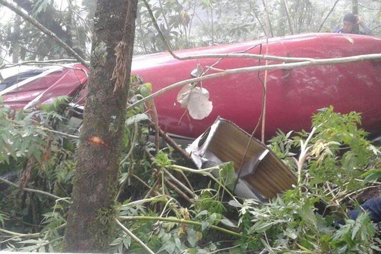 Avioneta fue localizada en el Volcán de Agua, por la parte de Alotenango, Sacatepéquez. (Foto Prensa Libre: PNC)