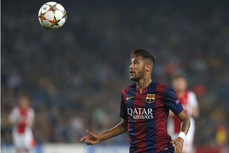 Neymar se ha convertido en una de las figuras indiscutibles en el Barcelona y es parte del tridente ofensivo junto al argentino Lionel Messi y el uruguayo Luis Suárez. (Foto Prensa Libre: AP)