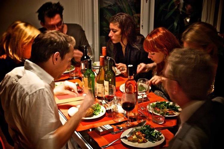 """La tendencia del """"social dining"""" surgió en Francia y se ha expandido a otros países."""